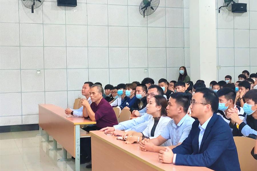 """机电系开展""""2020级新生入学专业教育""""专题讲座"""
