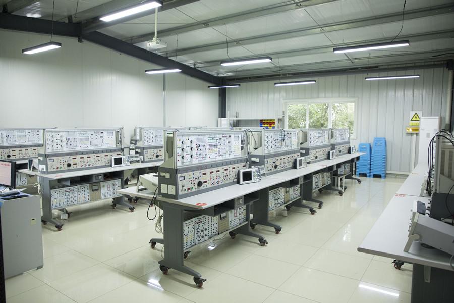 电工电子综合实训室