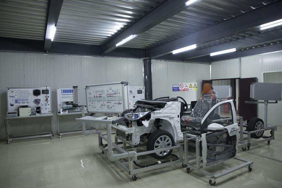 新能源汽车电气实训室