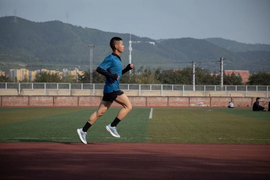 顽强拼搏,不断超越|智能制造学院学子在重庆市大学生田径运动会获得男子5000米决赛第四名!