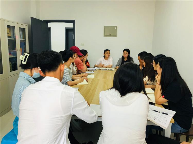 食品工程学院党支部召开8月份党员大会